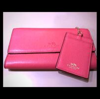 NWOT Coach Trifold Pebbled Leather Wallet