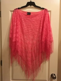 "REALLY CUTE ""Poncho"" overlay w/ fringe bottom One size fits all Byron, 31008"