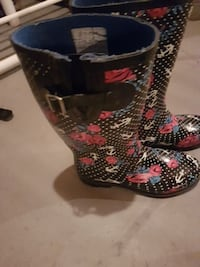 pair of black-and-red rain boots Regina, S4N 1S7