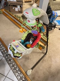 Fisher price cradle n swing baby chair