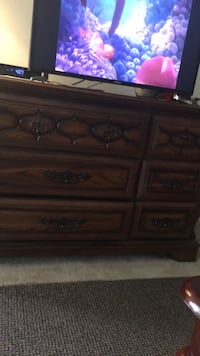 brown wooden 3-drawer chest Annandale, 22003