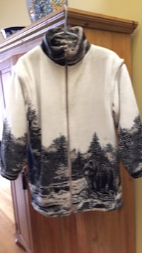 Awesome piece to own do unique fleece coat Gatineau, J8T 5G2