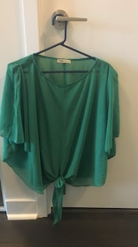 Free size green top Mississauga, L5B