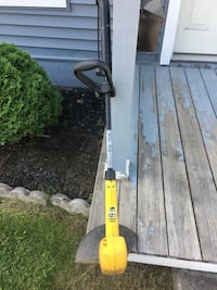 Electric eager beaver weed trimmer, RUNS!