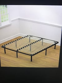 Full or Queen Wood Slats Metal bed frame, will Deliver ! Annandale
