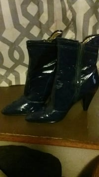 Navy blue heels size 8 1/2  Fort Smith, 72901
