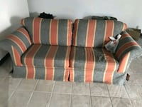 6ft couch.  Price negotiable Montreal, H2V