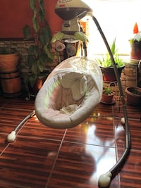 baby's white and gray cradle n swing Gilcrest, 80651