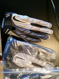 Nike football tacky gloves med and large sizes  Ontario, M3C 1X7