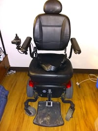 Electric wheelchair with cover