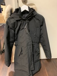 Brand New Canada Goose Kensington Parka Ladies Small Toronto