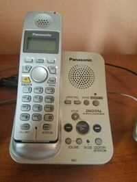 Panasonic 3 cordless handsets with answering system