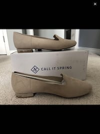 Beige flat shoes from Spring Beaconsfield, H9W 2B3