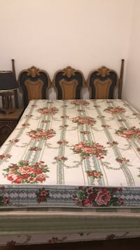 white and green floral bed sheet Pueblo, 81004