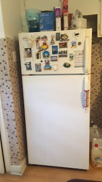 White top-mount refrigerator Montreal, H1M