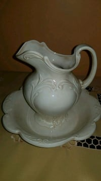 Water Bowl With Pitcher  McHenry, 60050