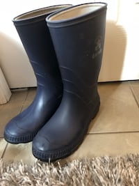 pair of black rain boots London, N6L 0B3