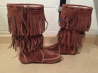Women's Size 10 Peace Moc Minnetonka Moccasin Boots London