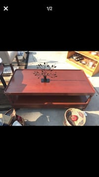 Solid wood mohagany coffee table Costa Mesa, 92627