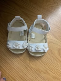 Baby girl open top flats  Freehold, 07728