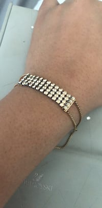 Swarovski fit bracelet with warranty Toronto, M1T 2B6