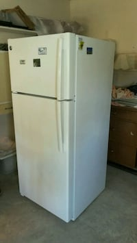 OFFER White top-mount Refrigerator and stove   Spring Hill, 34609