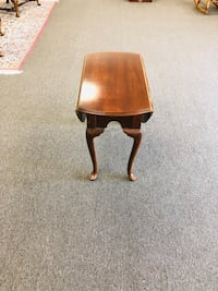Queen Anne Cherry drop leaf end table