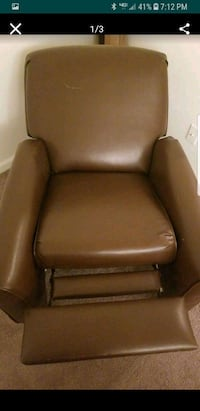 Leather recliner  Henrico, 23229