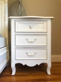 Cream/white nightstand bedside table