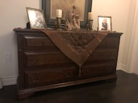 AMAZING Dresser with mirror and drawers!! King, L7B 0A5