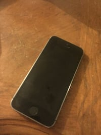 Black iPhone 5s Rogers 9/10 condition Markham, L3T 5C2