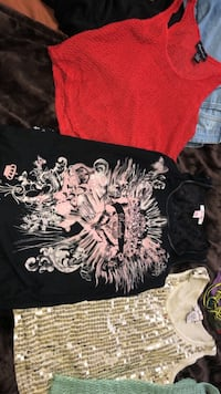 4 Tank tops for 5$