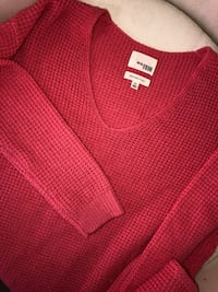 Aritzia Wilfred free sweater, size ax, coral colour. Worn once. No pulls perfect condition.  null