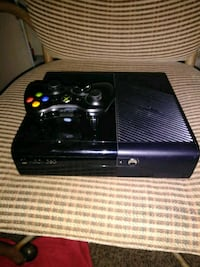 Xbox360 like new with 1 game cod ghost. $75 obo Webb City, 64870
