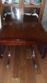 Duncan Phyfe inspired antique table and 4 chairs.  Colleton County