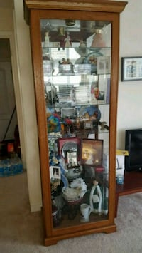 Curio cabinet with 6 shelves and light
