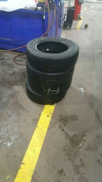 195/65R15 Pneus d'hiver à vendre/winter tires to sell