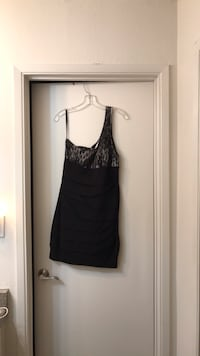 One sleeve black ruched and lace dress Walnut Creek, 94595