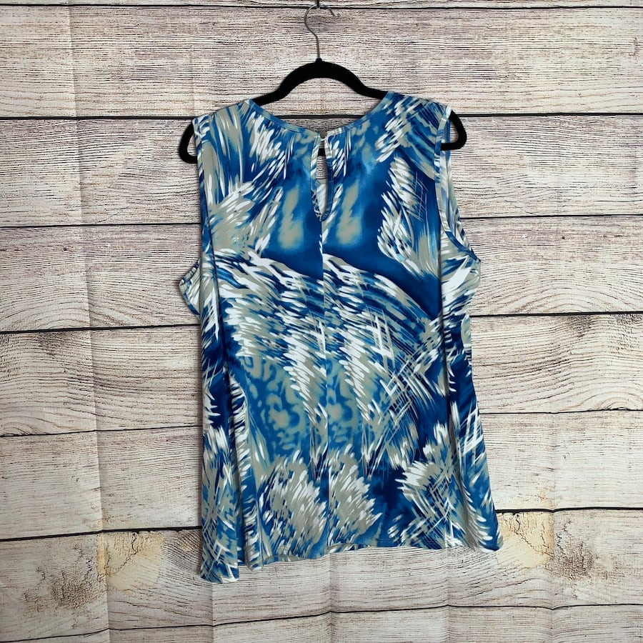 Avenue Womens Blue/White Sleeveless Blouse ea45e36d-ae28-49d3-880a-eb342d946c64