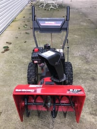 red and black Toro snow blower null