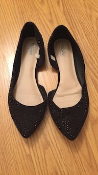 black pointed-toe flats Federal Way, 98023