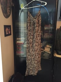Black and brown floral long-sleeved dress Fort Erie, L0S