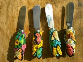 4 piece set Spreaders with Decorative Butterfly ha