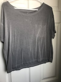 Black boat-neck t-shirt