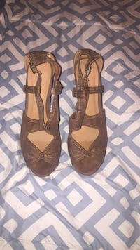 pair of brown leather open-toe sandals Eustis, 32726