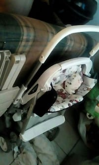 white and black umbrella stroller Bakersfield, 93305