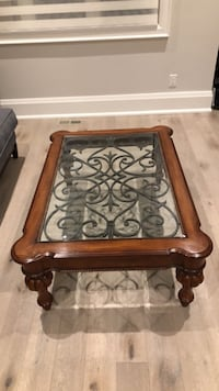Ethan Allen Coffee Table  Newmarket, L3Y