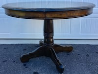 round brown wooden pedestal table New Market, 21774