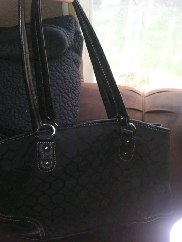 black Coach monogram tote bag e2709852-2f7e-4893-b237-46bca3cfa530