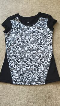 gray and black floral crew neck cap sleeves top Edmonton, T6X 0A5
